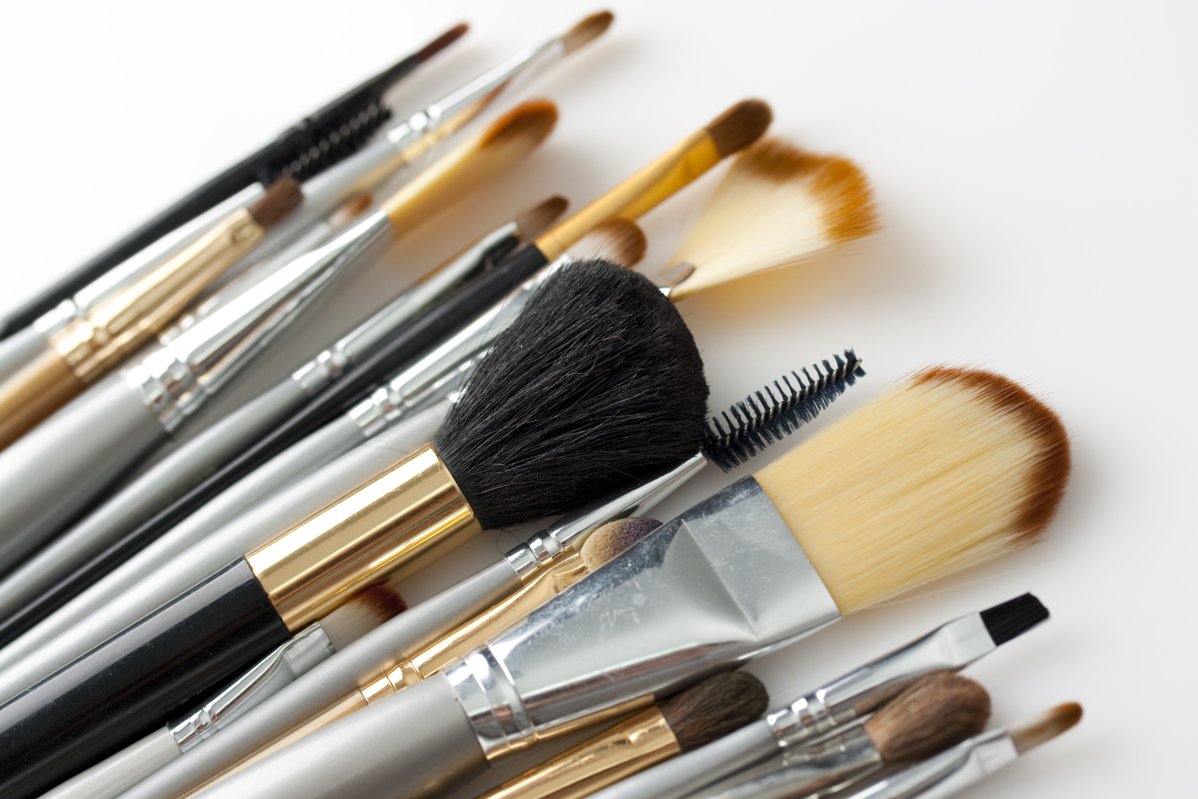 How Do You Clean Your Makeup Brushes? | Afrobella