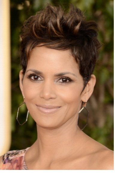 Halle Berry at the Golden Globes. Get the Look! | Afrobella