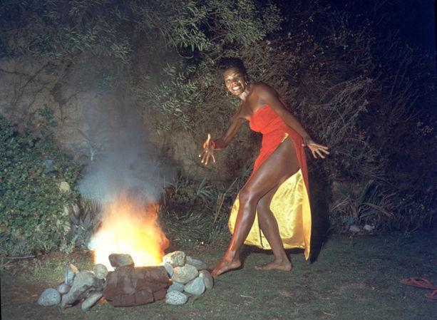 maya-angelou-dancing