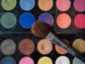 New Beauty Rules – Your Skin Deserves Clean Makeup Brushes