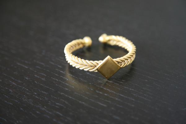 Fulaba_gold_dipped_Fulani_bracelet_3_grande