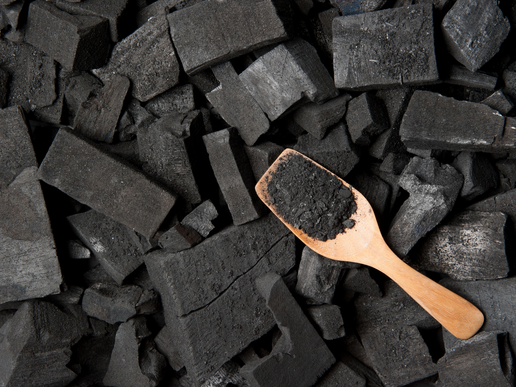 Charcoal for Natural Hair? Here's How to Deep Clean Your ...