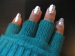Monday Manicure  – Milani Jewel FX