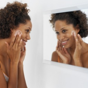 Medical vs. Cosmetic Dermatologists: Who Do You Make Your Appointments With?