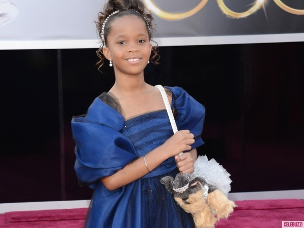 Quvenzhane Wallis Oscars puppy purse red carpet